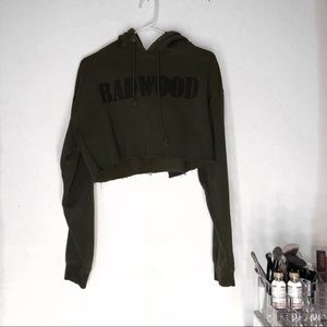 Tops - Cropped army green sweater